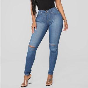 Fashion Nova Jeans Size 9 Brand New